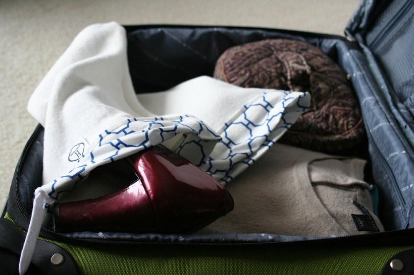 suitcase packing shoe bag carry on