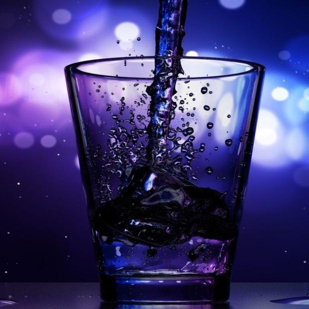 glass water bar drink