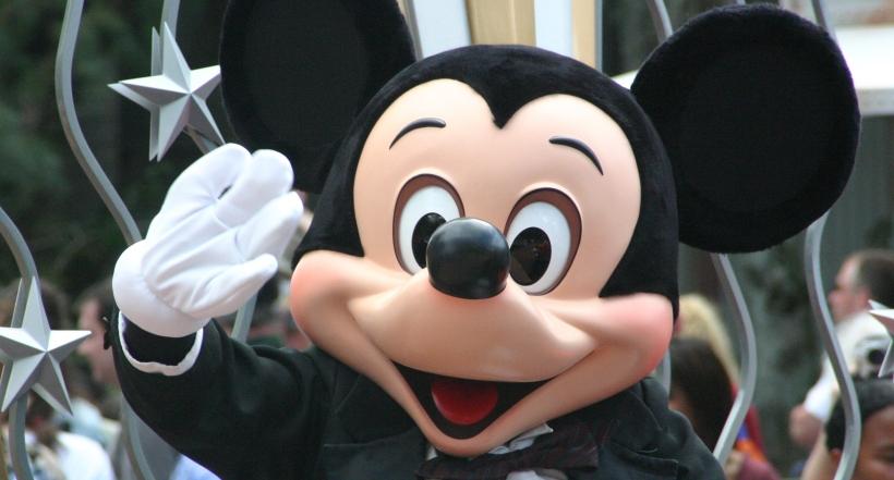 Disney World Mickey Mouse Character parade DisneyLand
