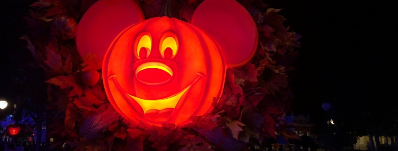 Mickey's Not So Scray Halloween Party Mickey Pumpkin Jack o Lantern